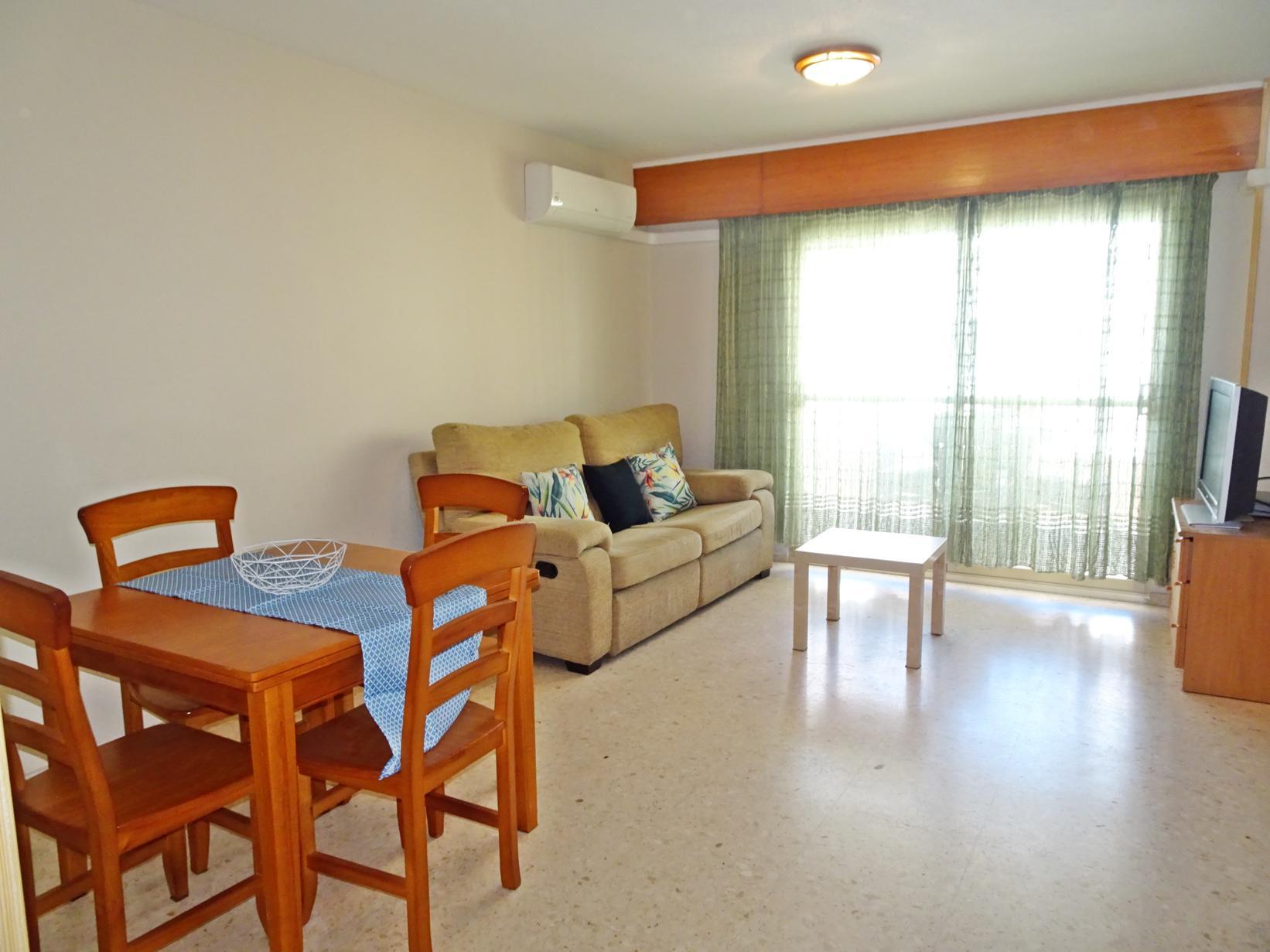 апартамент -                                       Gandia -                                       2 спальни -                                       5 человека